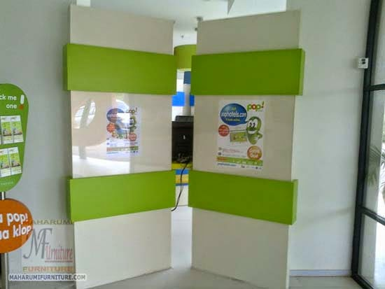 Projects Hotel Pop Bandara Cengkareng: Custom Furniture Interior Internet Center Area Untuk Mengakses Internet Gratis