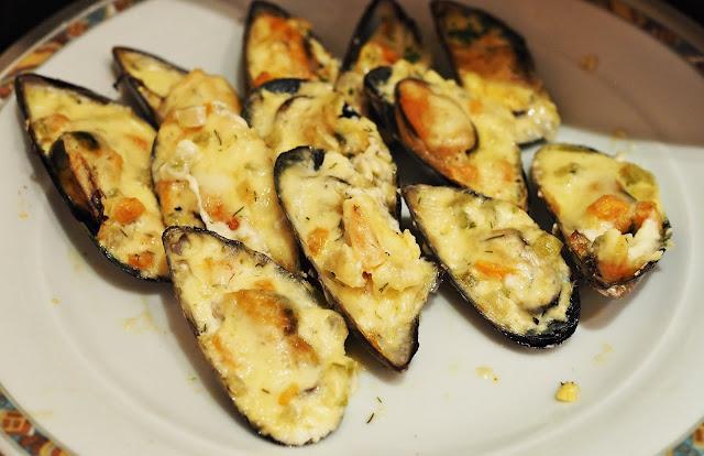 Buffet Shah Alam Lunch Menu - AU Gratin Creamy Mussels