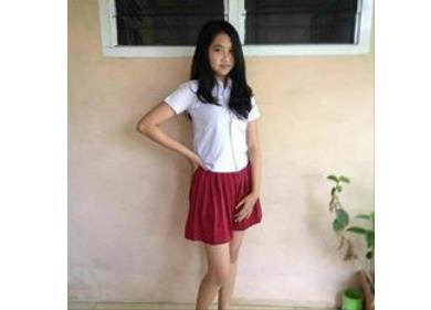 Foto Hot Siswi SD Pakai Rok Mini dan Baju Ketat