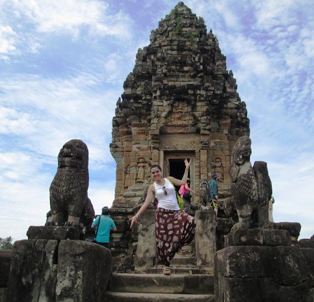 Arriba de Bakong en Angkor, Camboya