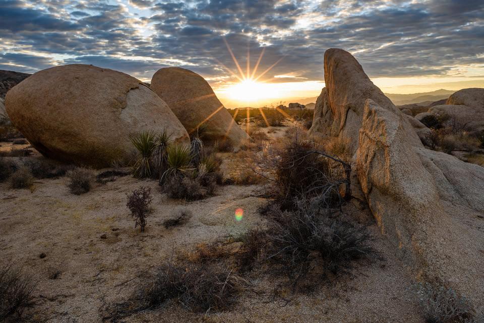 Trik Menghilangkan Flare dan Ghosting Saat Memotret Landscape