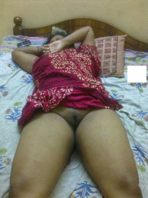 Desi Indian Homemade Nude Gharwali Enjoy Sleep - Aunties -8875
