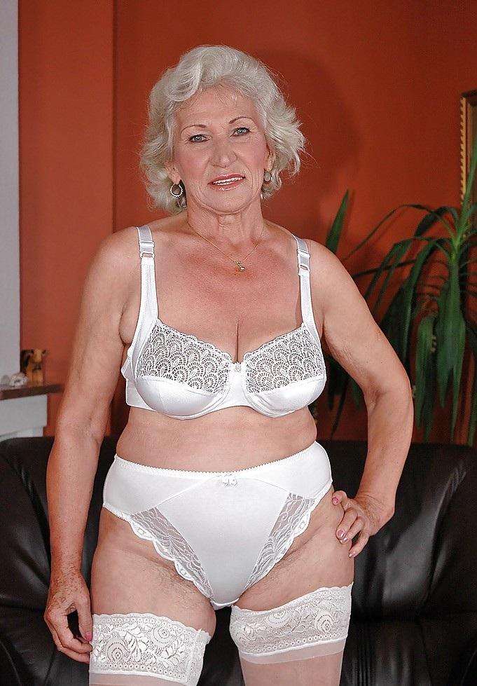 Gilfs And Matures Fotos Grannies In Beautiful White Underwear-4541