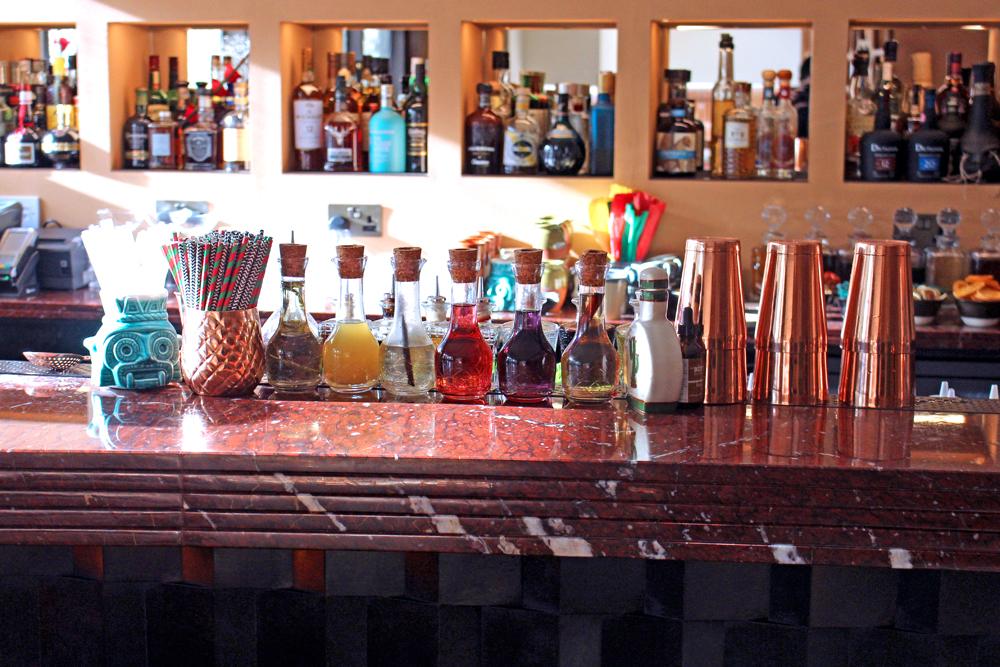 Cocktail bar at Mexican Restaurant Ella Canta at Park Lane Intercontinental, London - UK lifestyle blog