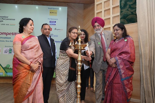 Mr. GS Singhvi and Dr. Sonal Mansingh at the Lightening of the Lamp
