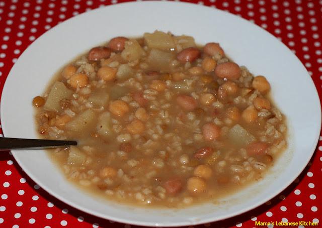 Hearty Lebanese Whole Grains Stew – Makhlouta Recipe