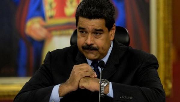 """España exhorta a Maduro a cesar críticas contra Rajoy y hacer de Venezuela """"una democracia"""""""