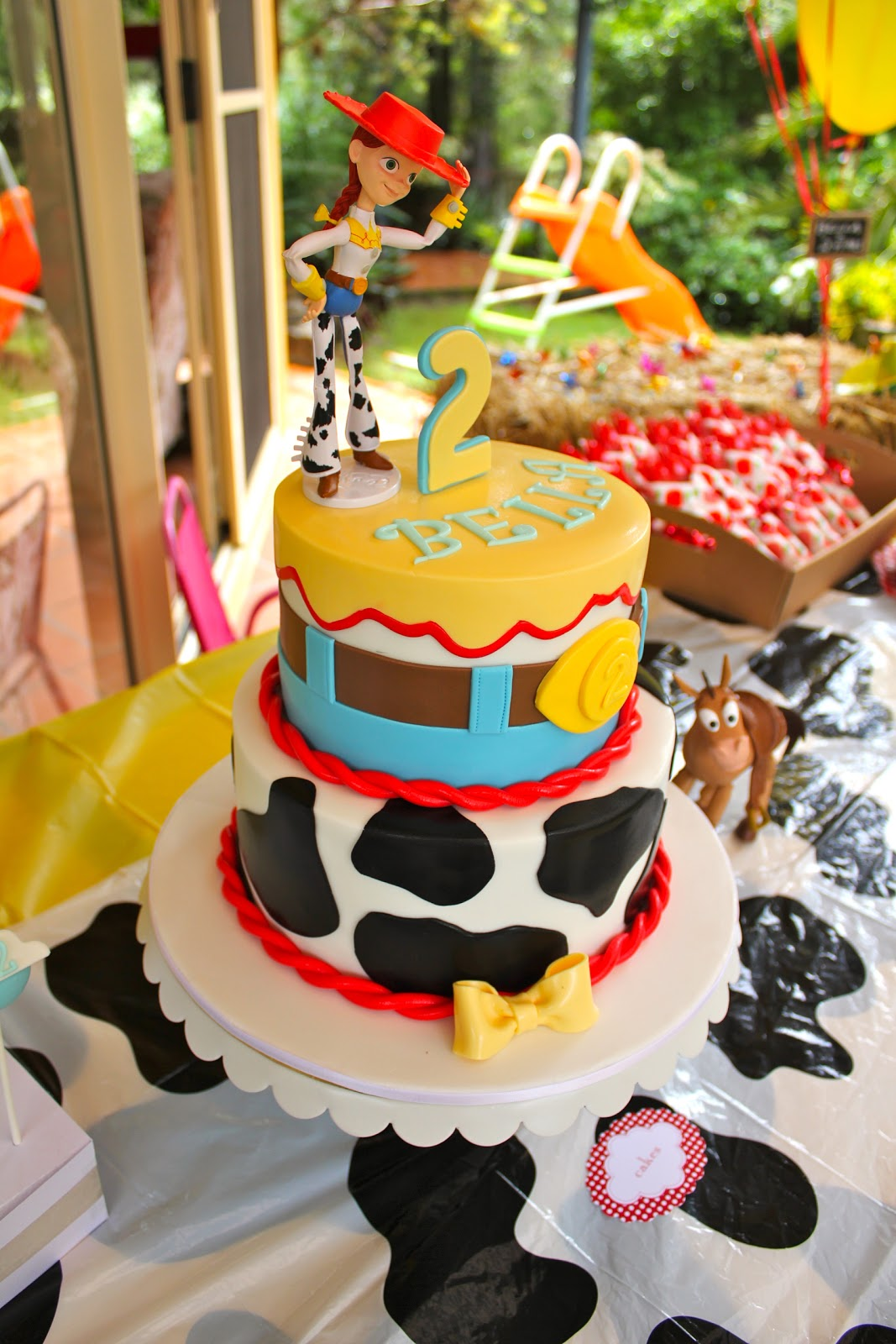 Bellas Jessie The Cowgirl Birthday Cake Created By Mio Cupcakes Cakes