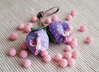 bomboniera portachiavi cotone pois tulipani lilla