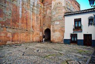 Arco de las Pesas - Granada