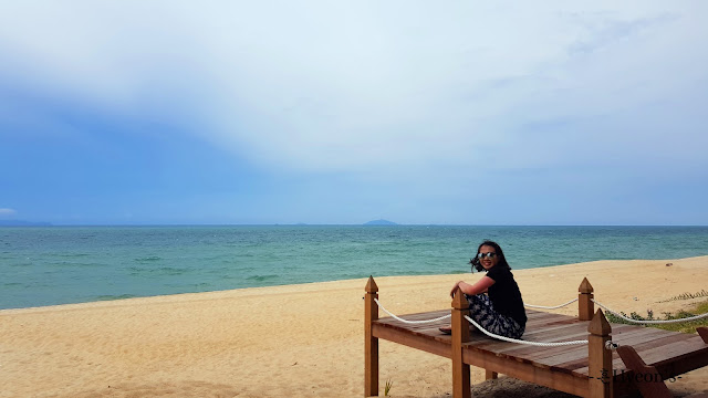 Hyeon Travel Journal; Pantai Penarik