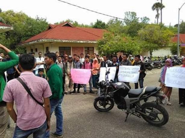 Mahasiswa Unimal Tuntut Kasus Nanda Feriana Diselesaikan Secara Kekeluargaan