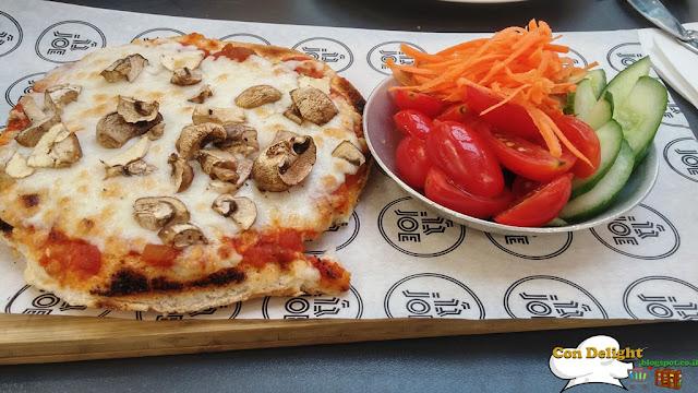Mushroom pizza bagel פיצה בייגל
