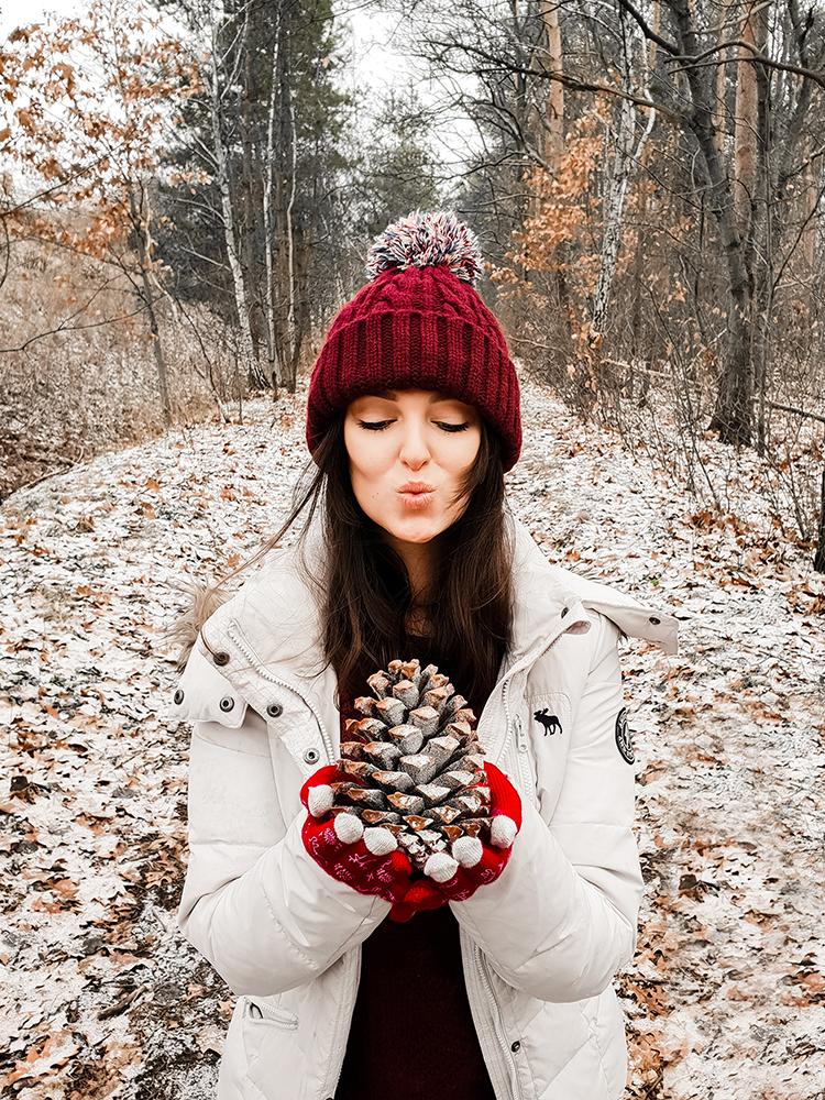 Jak dbać o włosy zimą? 4 złote zasady - Czytaj więcej »