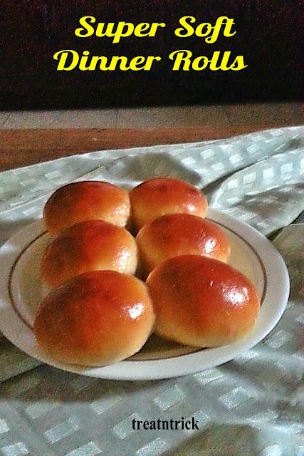 Super Soft Dinner Rolls Recipe @ treatntrick.blogspot.com