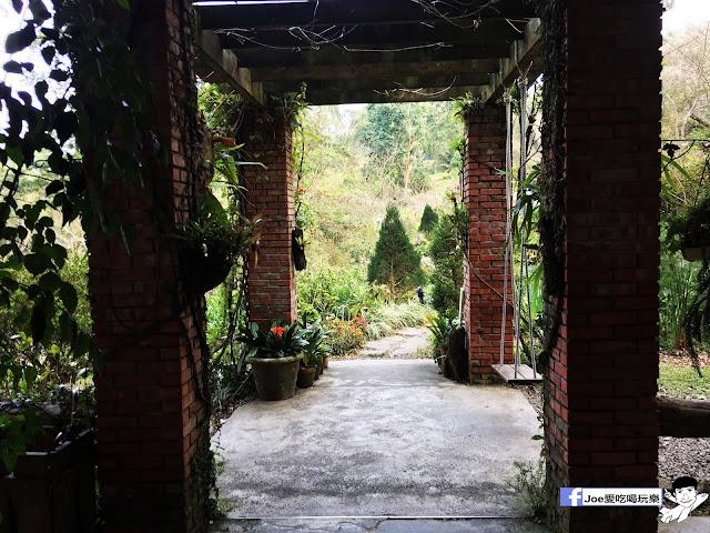 IMG 2515 - 【新竹旅遊】六號花園 景觀餐廳 | 隱藏在新竹尖石鄉的森林秘境,在歐風建築裡的別墅享受芬多精下午茶~