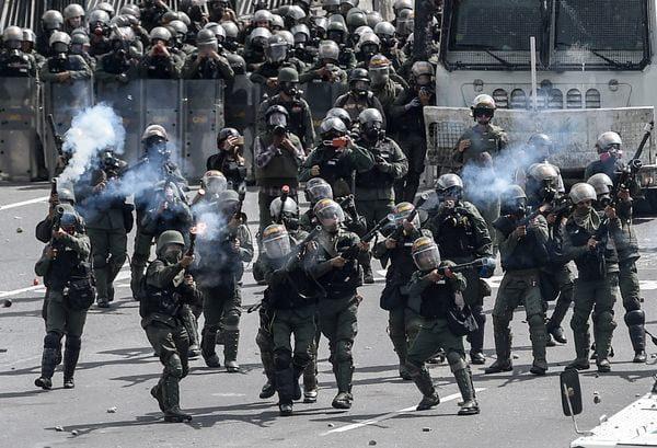 Un pueblo armado nunca sufrirá tiranos | Por Alfredo M. Cepero