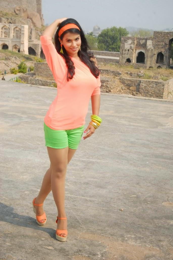 Sharmila mandre latest photo gallery in green shorts
