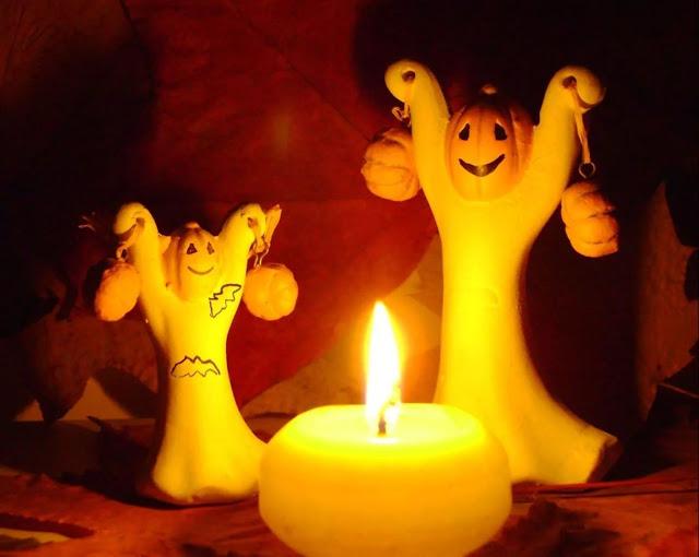 на Хэллоуин, гадания ведьмы, Хэллоуин, 31 октября, Halloween, All Hallows' Eve, All Saints' Eve, про гадания, как гадать на Хэллоуин, узнать судьбу на Хэллоуин, колдовство на Хэллоуин, магия, приемы гадания на Хэллоуин, эзотерика, магические практики, про магию, гадание на судьбу, гадание на любовь, гадание на яблоках, традиционные гадания на Хэллоуин, гадания на огне, гадания на яблоках, гадания на сновидениях, методы надания на Хэллоуин, предсказания на Хэллоуин, как узнать судьбу на Хэллоуин, гадания на зернах, как гадать на хэллоуин http://prazdnichnymir.ru/