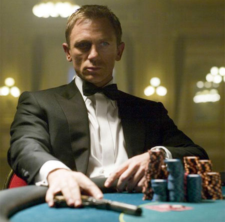 007 casino royale libro