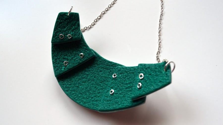 collar restos hidden magic arcilla polimérica