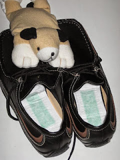 tuala wanita dalam kasut