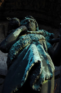Photo of statue by Joakim Buchwald