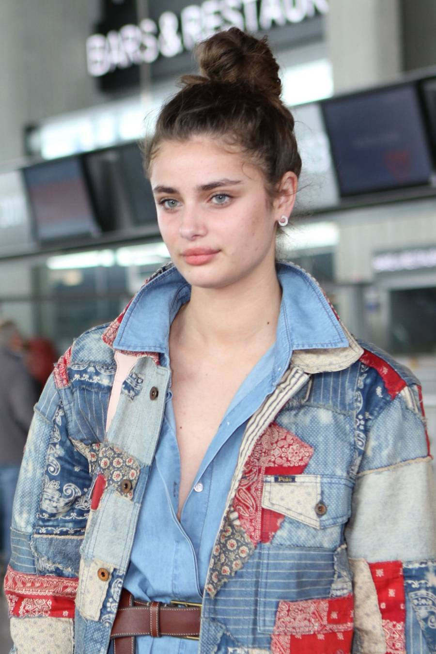 American Model Taylor Hill Hot Stills At Nice Airport