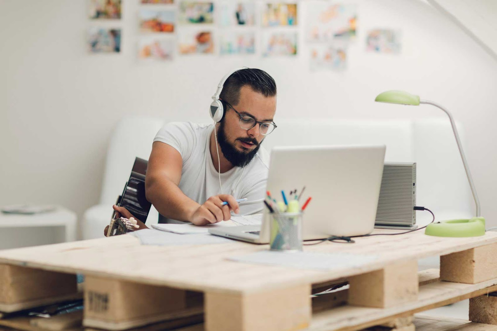 tips trik cara menjadi pekerjaan profesi freelancer online pendapatan penghasilan internet berapa besar gaji honor job vacancy description lowongan apa itu jenis macam pengertian definisi gede cepat kaya penghasilan tambahan sampingan karyawan mahasiswa pelajar lulusan kuliah sarjana langkah panduan praktis