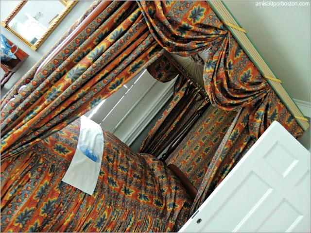 Cama del Dormitorio de Sally y Joseph en la Mansión Ropes, Salem