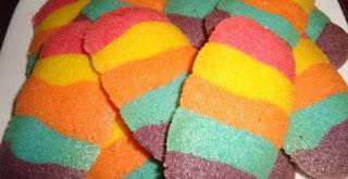 Resep Kue Lidah Kucing Rainbow Renyah Dan Istimewa
