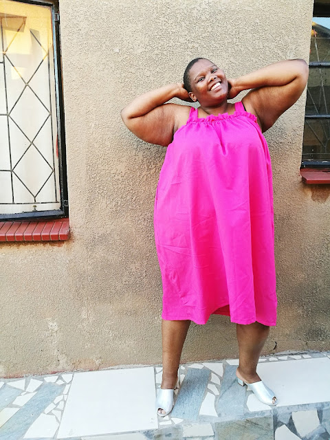 south african plus size blogger style, plus size blogger wearing hot pink