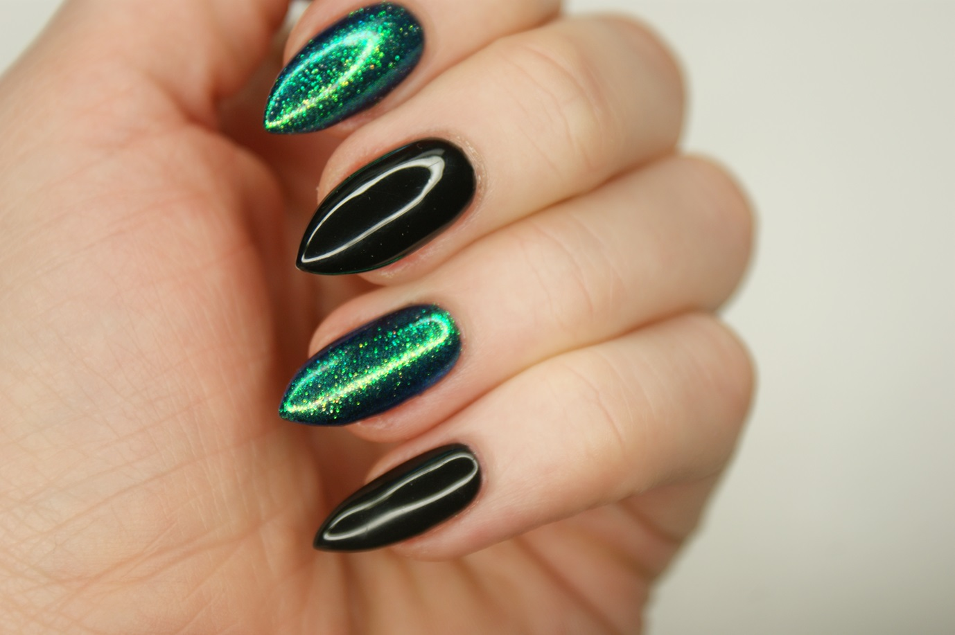 Biankowo Manicure Hybrydowy Semilac 10 Black Diamond 031