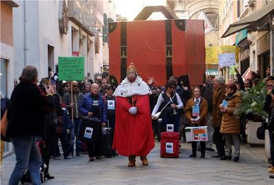 Η Βενετία διαμαρτύρεται για τη μετατροπή της σε τουριστικό πάρκο