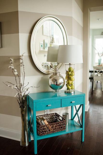 azul-turquesa-na-decoracao-aparador-abrir-janela