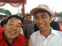 """Jokowi dengan """"Kartu Sakti"""" Optimis Raih Kemenangan di Solo"""