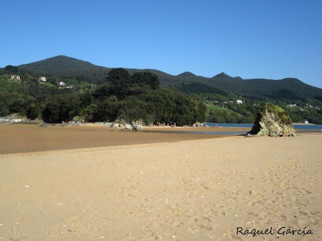 Playa San Antonio en Sukarrieta (Bizkaia)