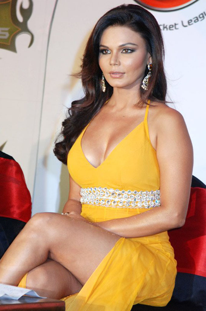 Movie Hub Rakhi Sawant Hot Photos-3425