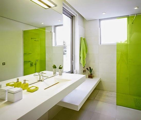 desain 2x2 kamar mandi hijau