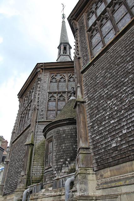 Największy drewniany kościół Francji w Honfleur