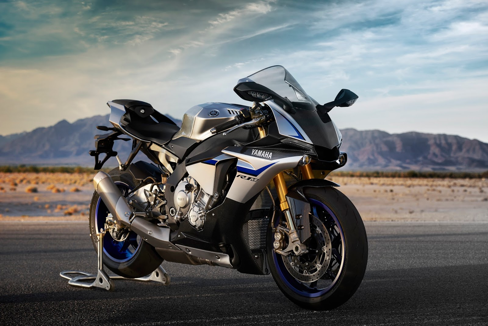 New 2016 Yamaha YZF R1 YZF R1M Hd Photos Gallery All Latest