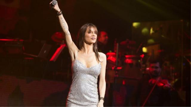 Βίντεο: H Πάολα τραγουδά το «Μακεδονία Ξακουστή» και γίνεται χαμός