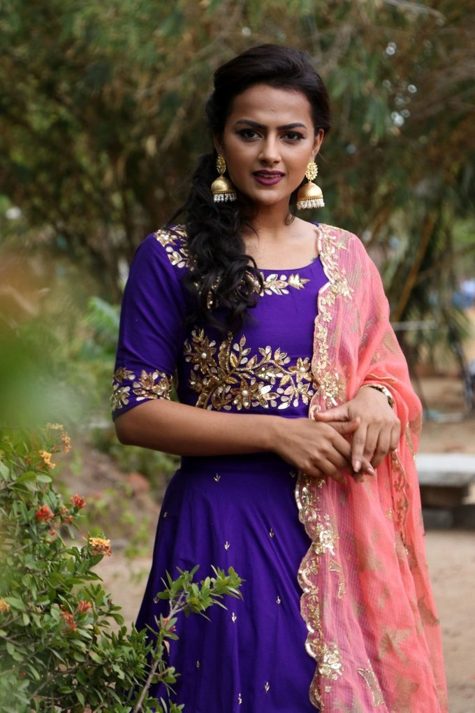 Beautiful Telugu Girl Shraddha Srinath Long Hair In Blue Lehenga Voni