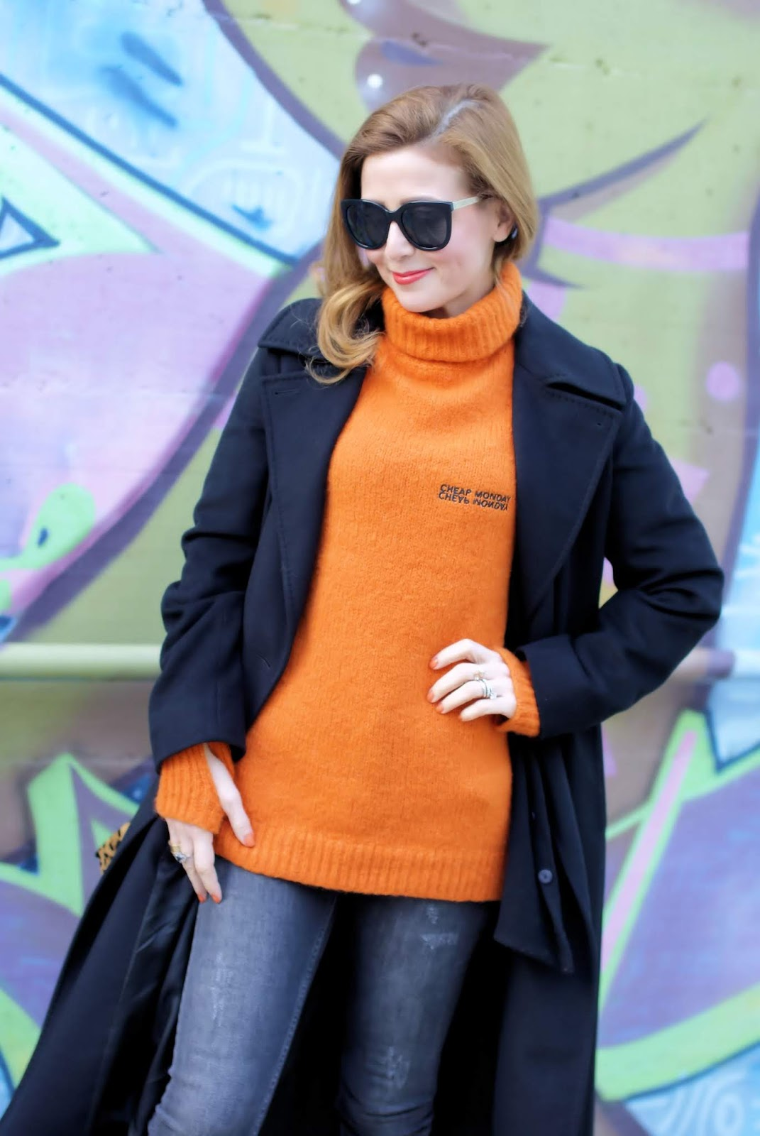 Orange is the new black street style look on Fashion and Cookies fashion blog, fashion blogger style