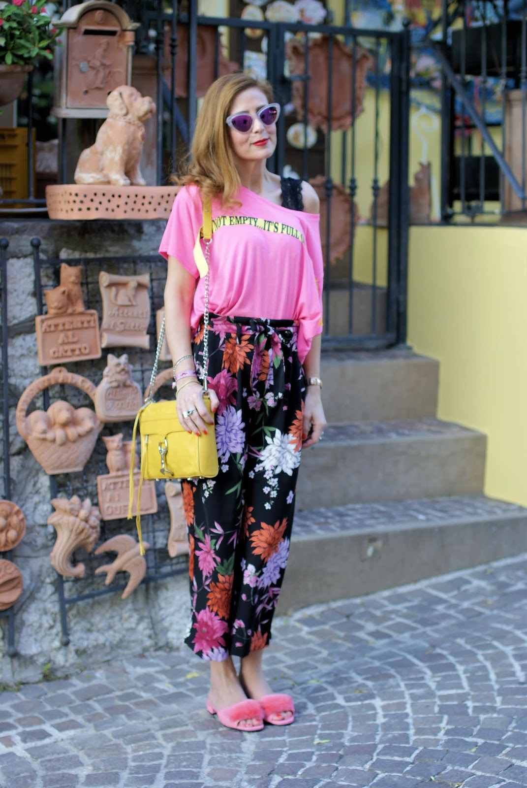 Pink furry slippers and Teetopia t-shirt on Fashion and Cookies fashion blog, fashion blogger style