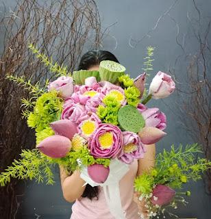hoa cuoi cam tay co dau dep nhat