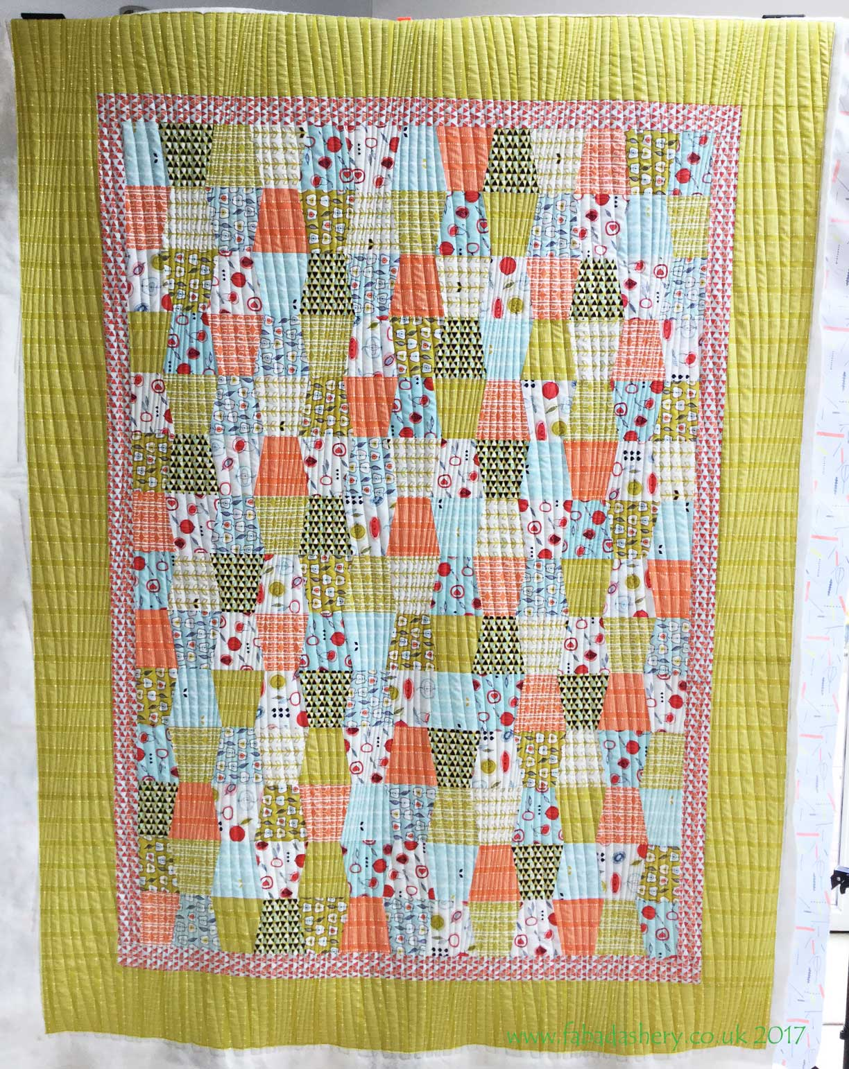 Fabadashery Longarm Quilting: Modern Tumbler Quilt by Natalie using Modern Curves quilting pattern