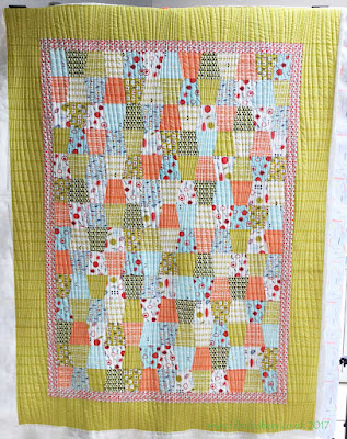 'Tumbler Quilt' by Natalie, quilted by Frances Meredith