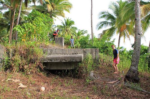 Bunker Peninggalan Jepang Di Pulau Bobale