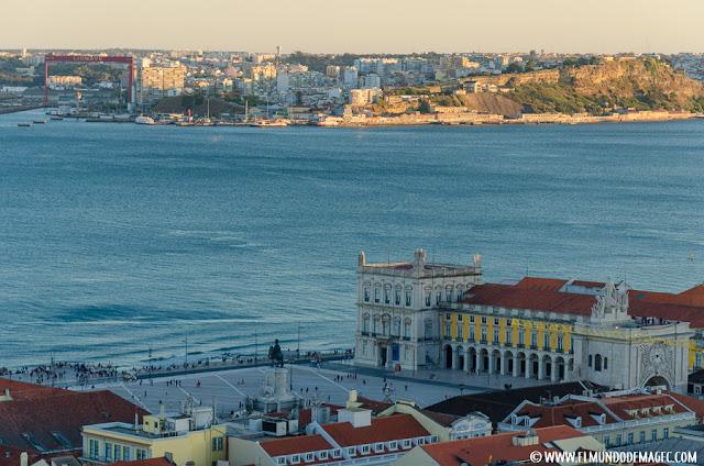 Castillos-de-Portugal. Vistas a la Plaza de Comercio desde el castillo